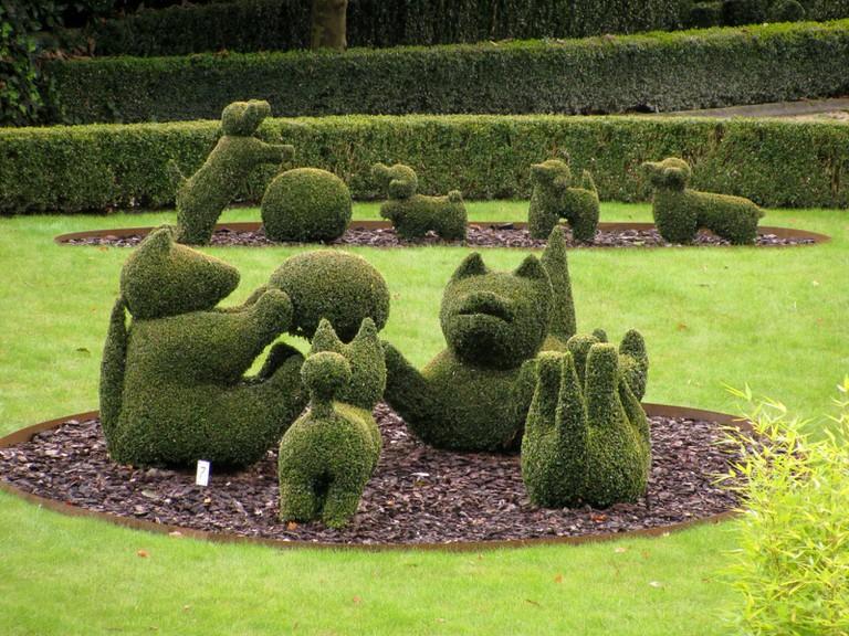 Topiary ©Donarreiskoffer/WikiCommons