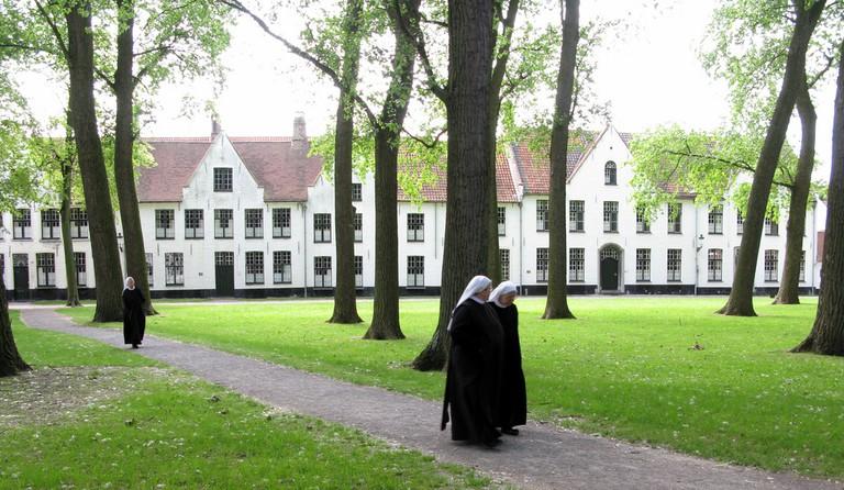 Ten Wijngaerde, the last preserved nunnery in Bruges| © Steve Jurvetson/Flickr