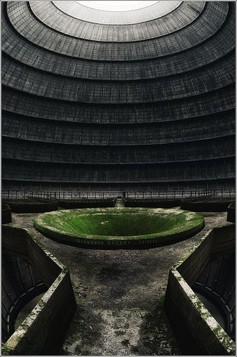 The cooling tower| © Stéphane Gaudry/Flickr