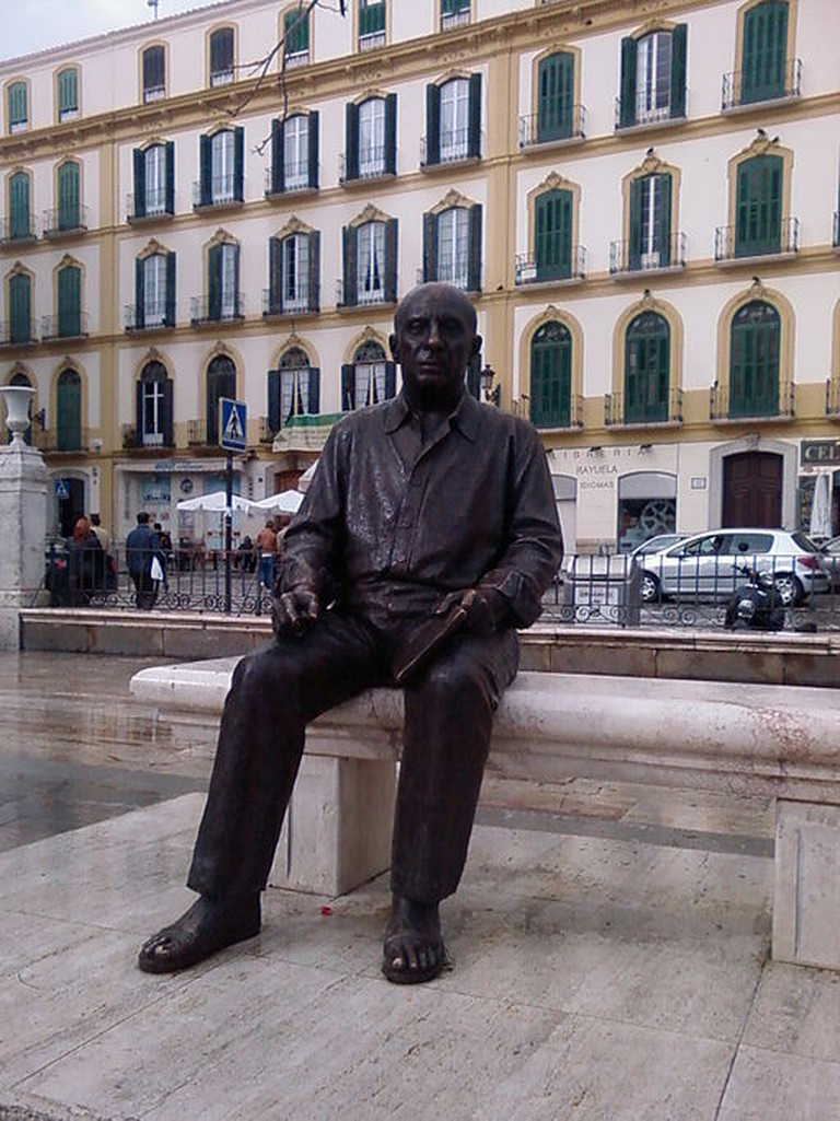 sculpture of Pablo Picasso by Francisco López Hernández/