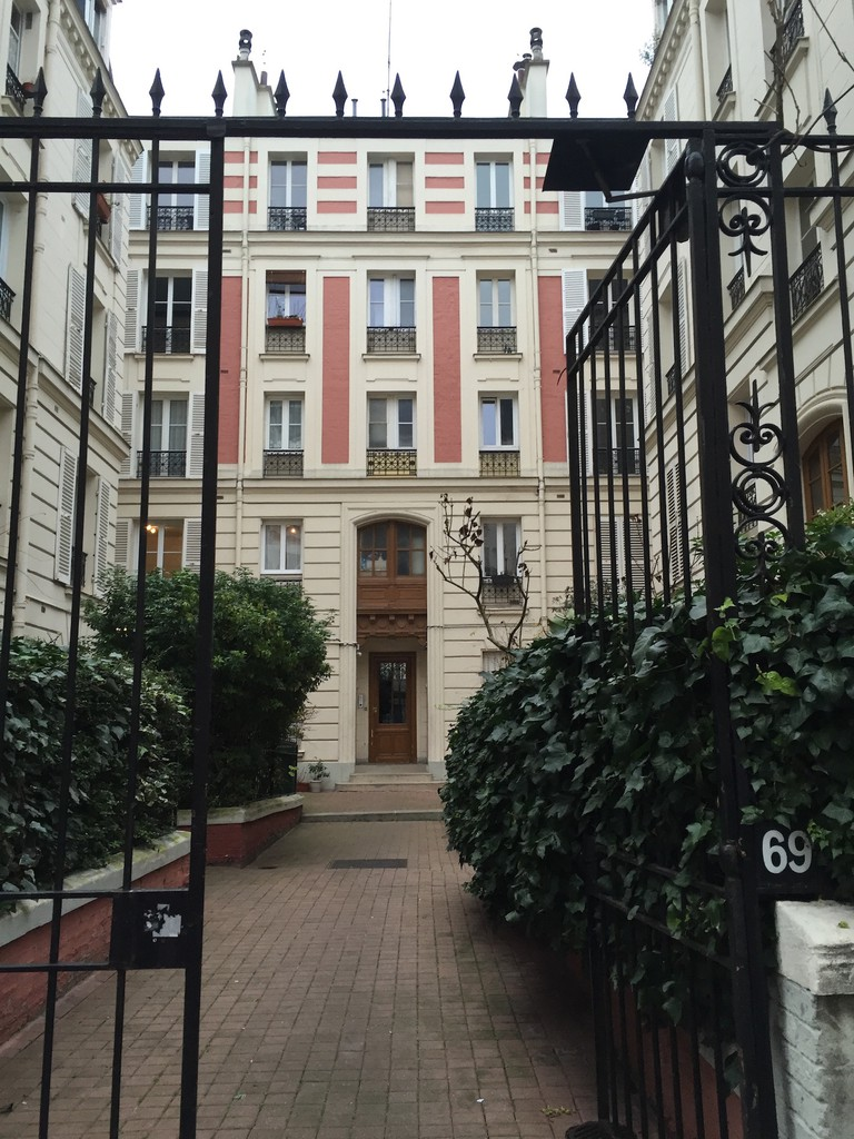 69 Rue du Moulin Vert | © Ami B. Cadugan