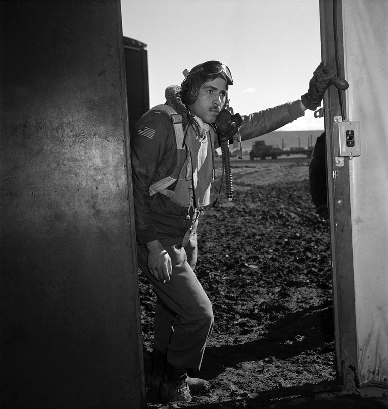 Tuskegee airman Edward M. Thomas of Chicago, IL, Class 43-J – photo by Toni Frissell