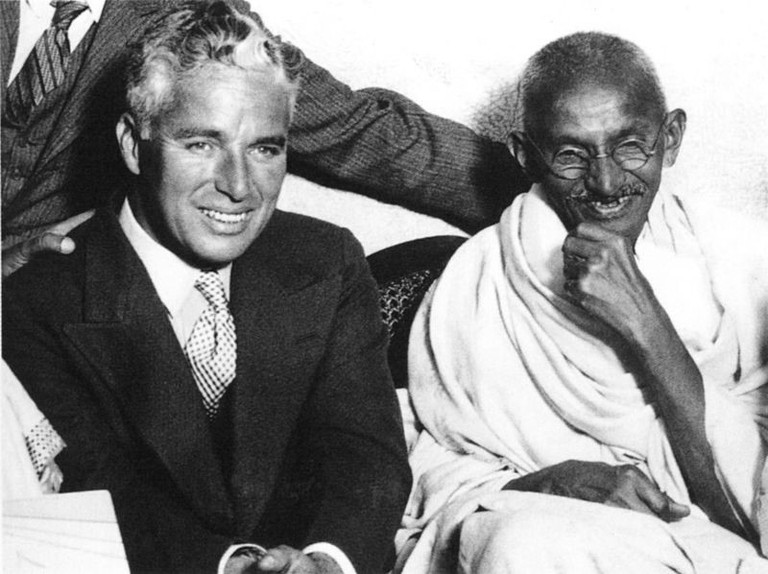 Charlie Chaplin with Gandhi in Canning Town, London © Unknown