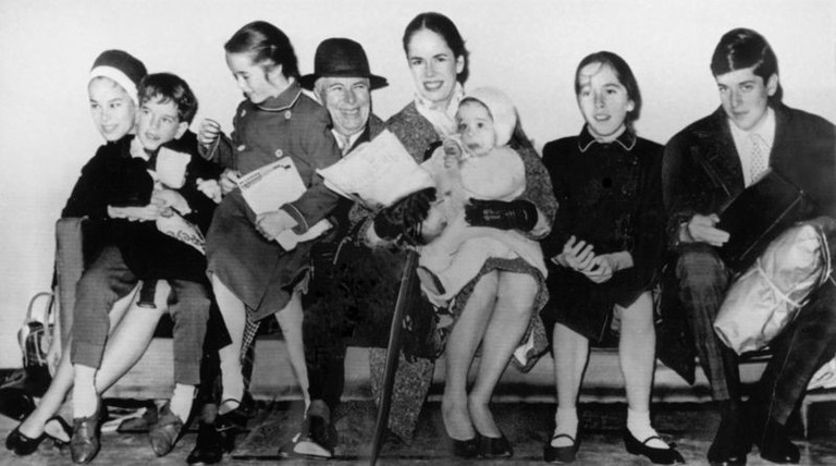 Charlie Chaplin with his fourth wife Oona and six of their eight children © Associated Press Photographer