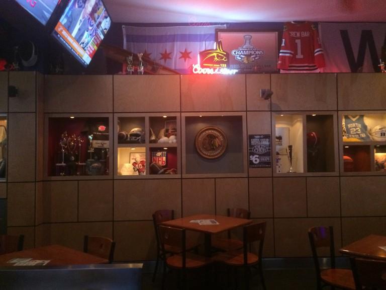 Crew Bar and Grill Interior┃© Brady Guy