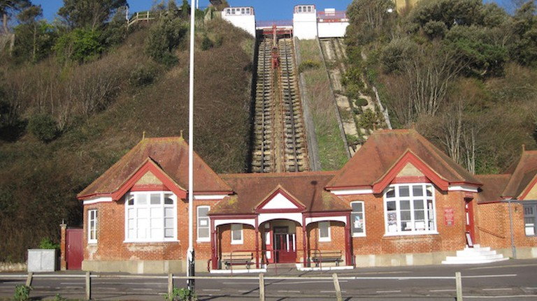 The Leas Lift from coastal pathway | © Kate Jefford