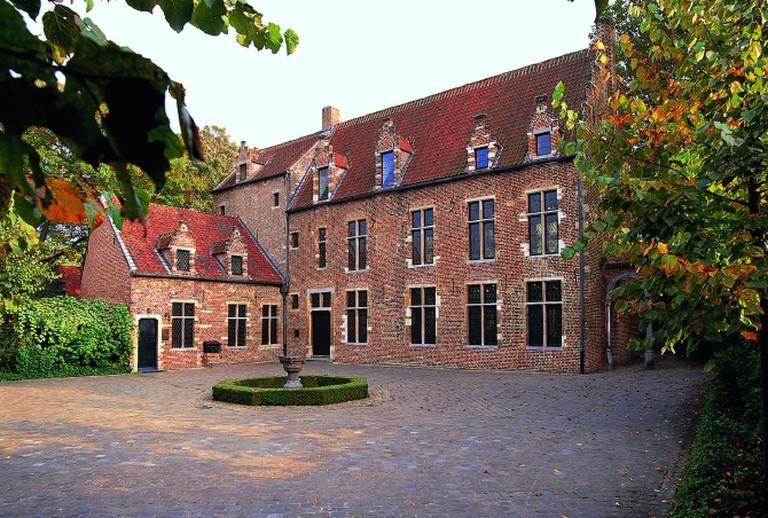 Erasmus House, yard (Picture : Michel Clinckemaille) |© La Maison d'Érasme, Anderlecht (Brussels)