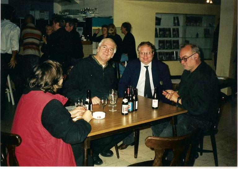 Noël Godin (middle) and Jan Bucquoy (far right) in Harelbeke, 2003 | © Karel Leermans/WikiCommons