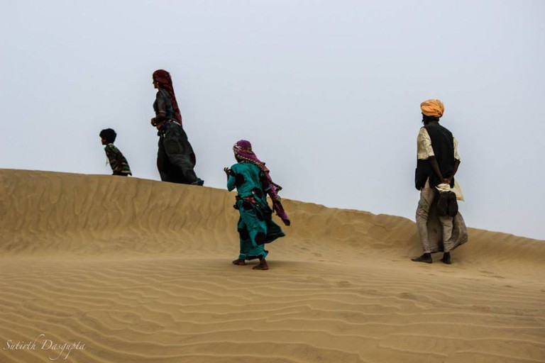 Nomands on the dunes | © Sutirth Dasgupta