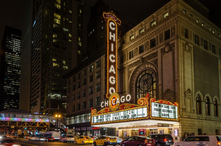 Outside of The Chicago Theatre | © Keith Yahl/Flickr