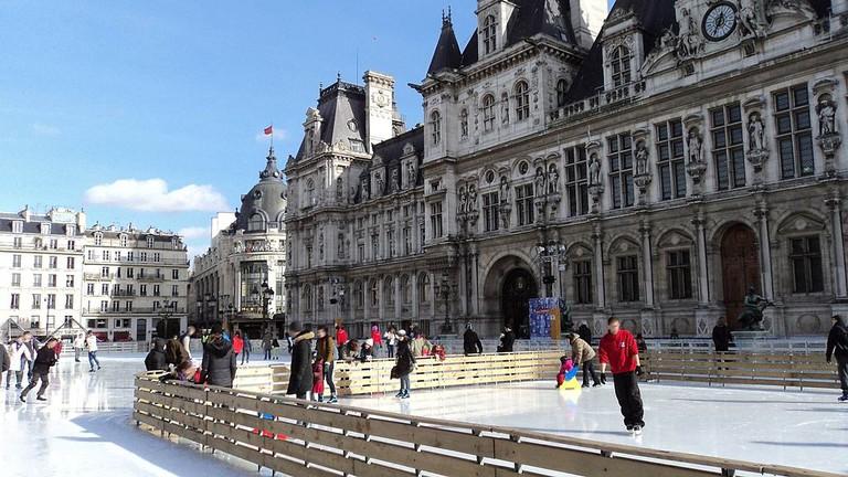 Ice Rink at l'Hôtel de Ville | © ErasmusOfParis/WikiCommons