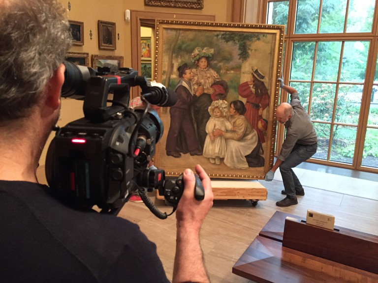 Renoir - Revered and Reviled, Filming The Artist's Family (Renoir, 1896) at The Barnes Foundation © EXHIBITION ON SCREEN