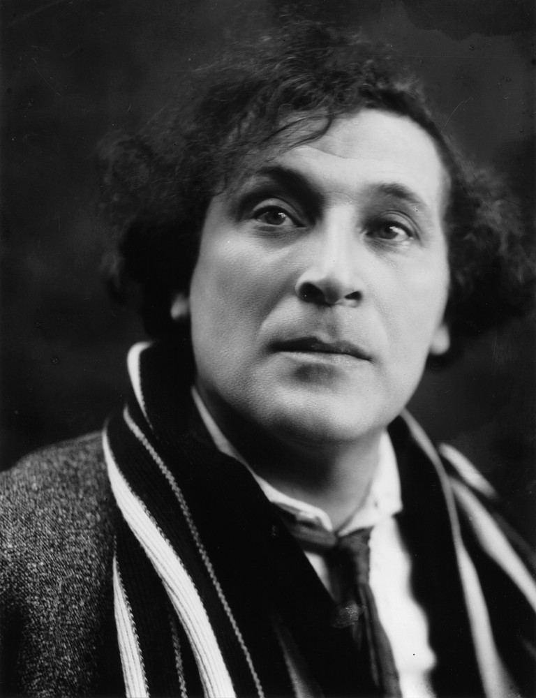 Marc Chagall, c.1920 by Pierre Choumoff| © WikiCommons