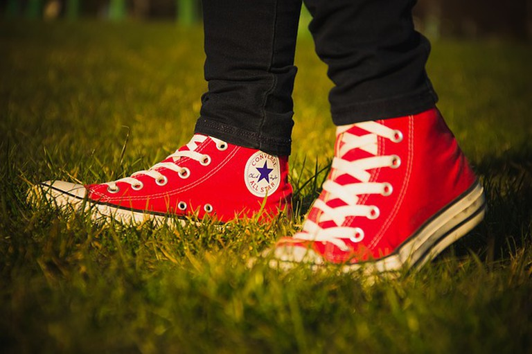 https://pixabay.com/en/converse-all-star-logo-red-shoes-932667/
