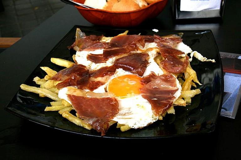Huevos Rotos - © Tamorlan/WikiCommons