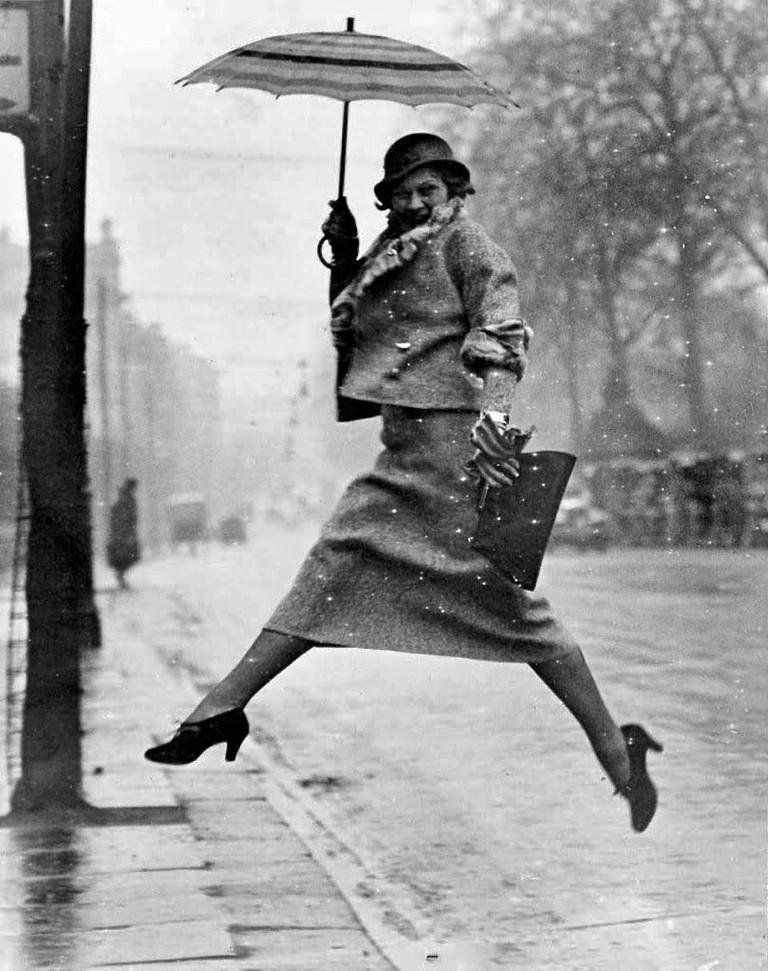 Martin Munkácsi, Jumping a Puddle, 1934