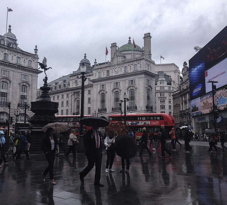 https://pixabay.com/en/london-rain-piccadilly-circus-863330/