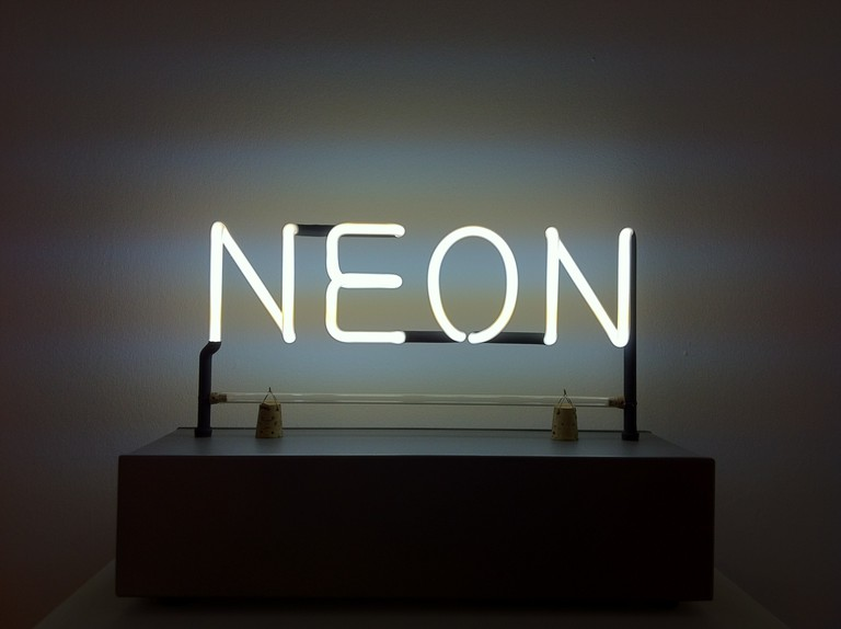 Example of Kosuth's work in neon
