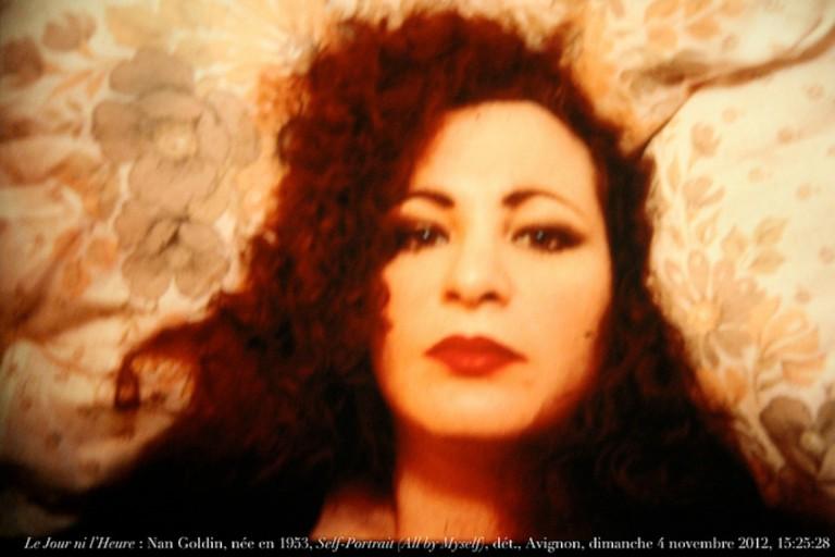Le Jour ni l'Heure 4351 : Nan Goldin, née en 1953, Self-Portrait (All by Myself), 1953-1995, dét., Avignon, coll. Yvon Lambert, hôtel de Caumont, dimanche 4 novembre 2012, 15:25:28