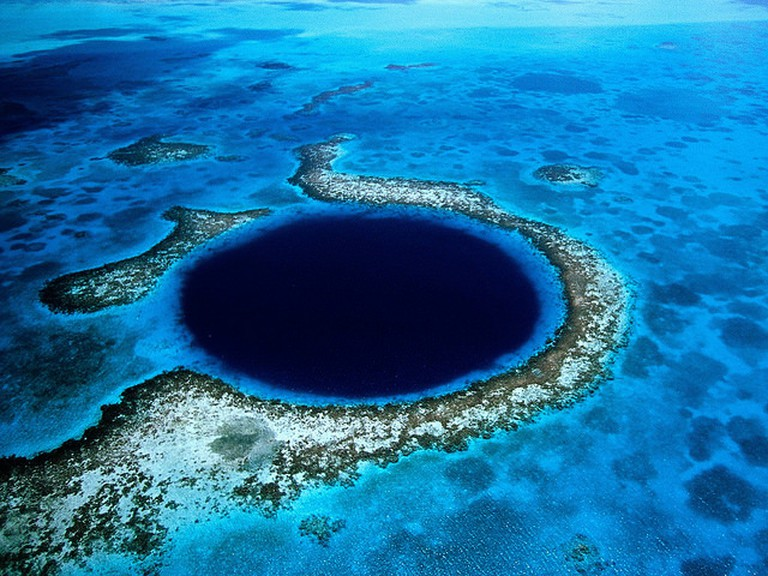Great Blue Hole | © Eric Pheterson/Flickr