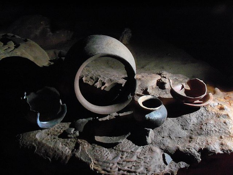 Pottery within ATM | © WikiCommons