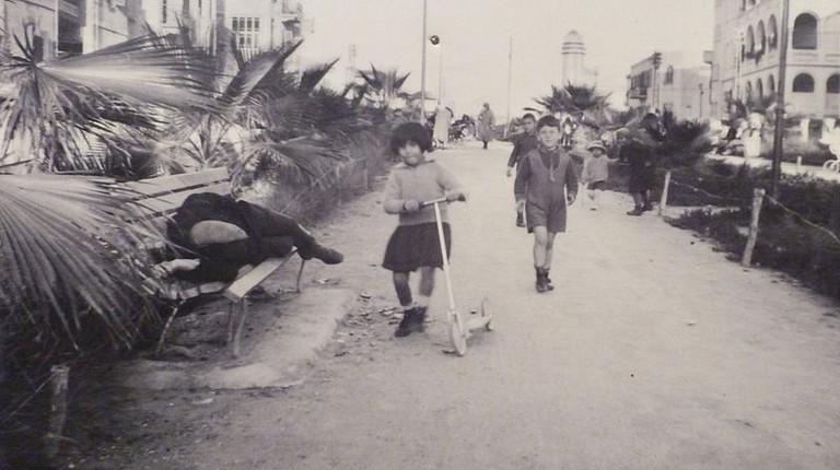 800px-Rothschild_Boulevard,_1926_-_detail_P1080427
