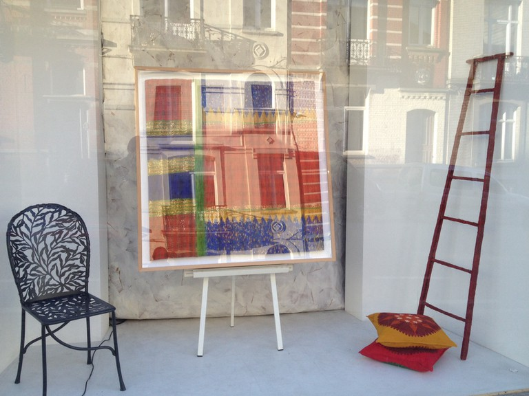 Isabelle de Borchgrave studio window | © Marie van Boxel