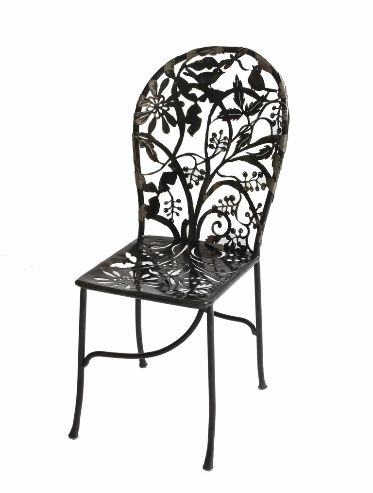 Wrought iron Cerasis chair | © Isabelle de Borchgrave