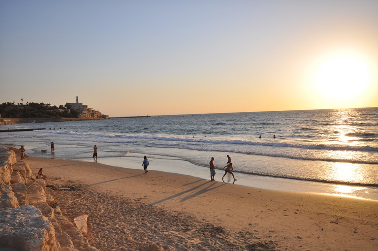 Beach in Tel Aviv | © Jorge Láscar/Flickr