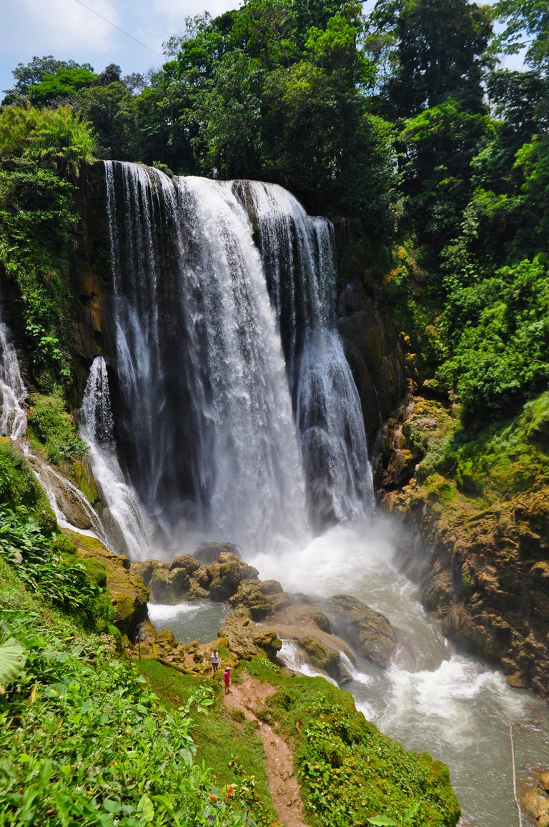 A waterfall in Honduras | © xaviracer270/Pixabay