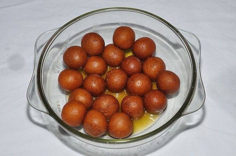 Pantua looks like Gujab Jamun but tastes different © Biswarup Ganguly / WikiCommons