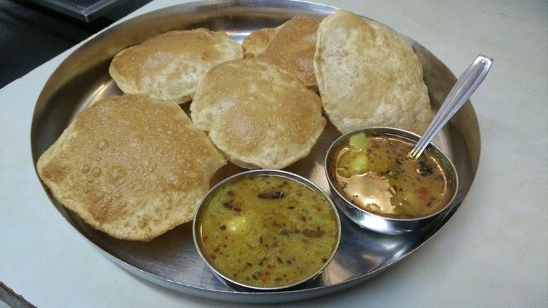 Puri-Bhaji plate with 5 puris