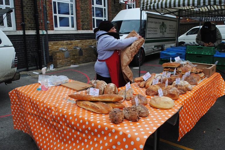 Bread stall at Balham Farmer's Market| © Alyssa Erspamer