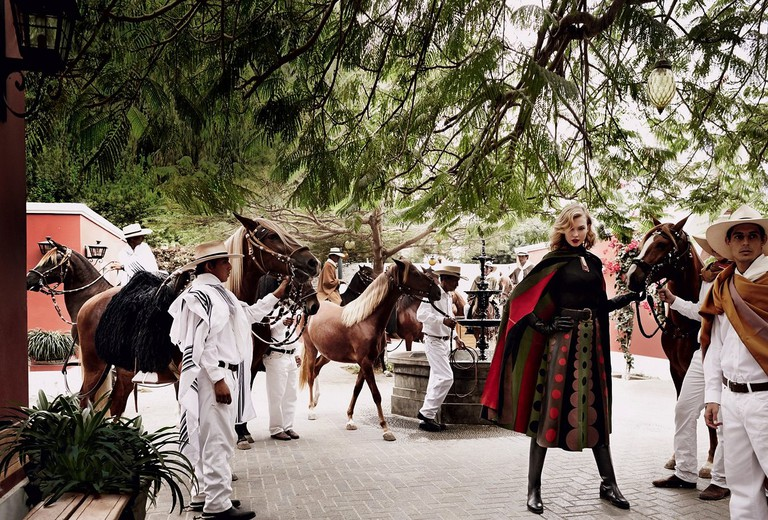 Karlie Kloss in Mario Testino's native Peru for Vogue US 2014 ©Mario Testino