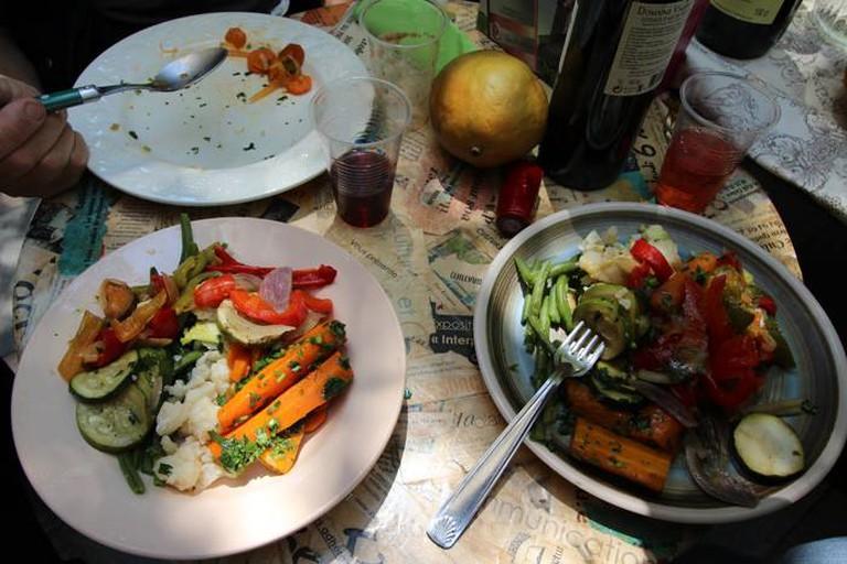 Vegetarian treats © Freegan Pony