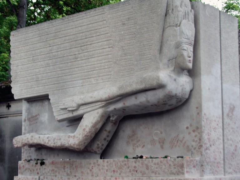 The Grave of Oscar Wilde| ©voxlivia / flickr