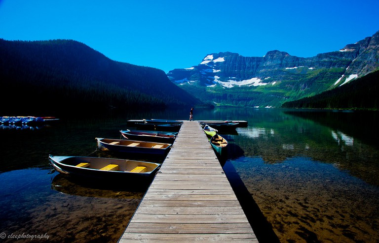 Cameron Lake at Waterton Lakes National Park | ©Esther Lee/Flickr