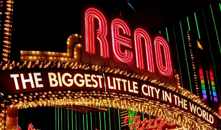 Reno Arch | © chicadecasa/ Flickr