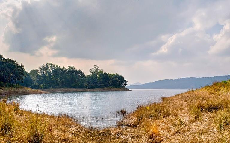 Umaim Lake © Flickr/Kinshuk Kashyap