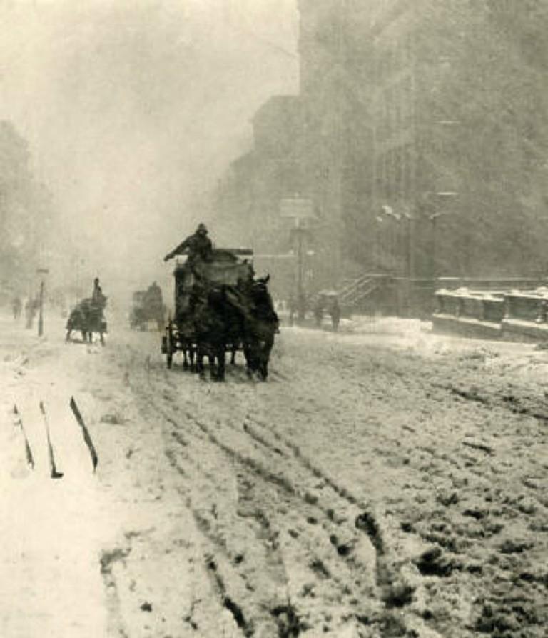 Alfred Stieglitz Winter Fifth Avenue 1892  © wikicommons