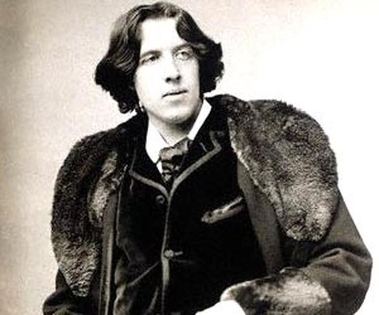 Oscar Wilde sitting portrait