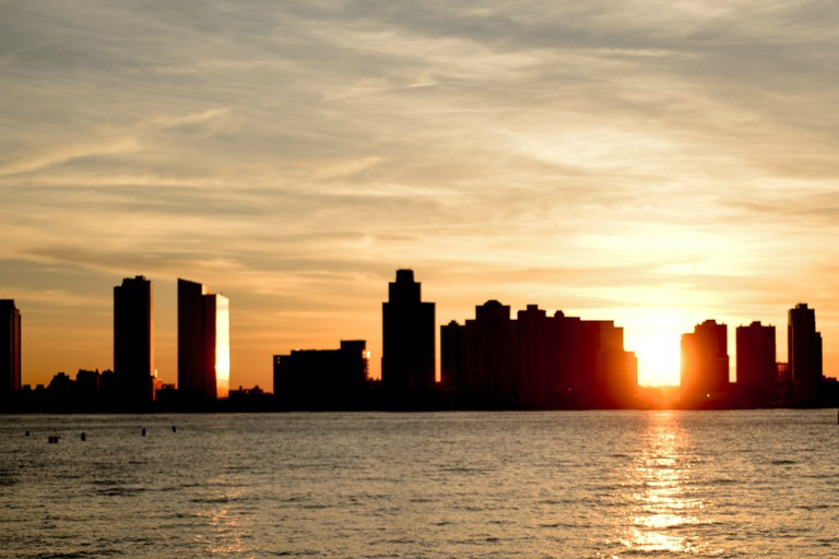 The sun sets on the Hudson River | © Smart Scott Photography