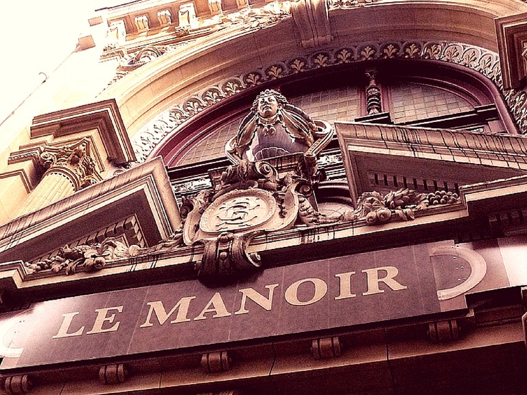 Le Manoir de Paris | © Julie Mac/Flickr