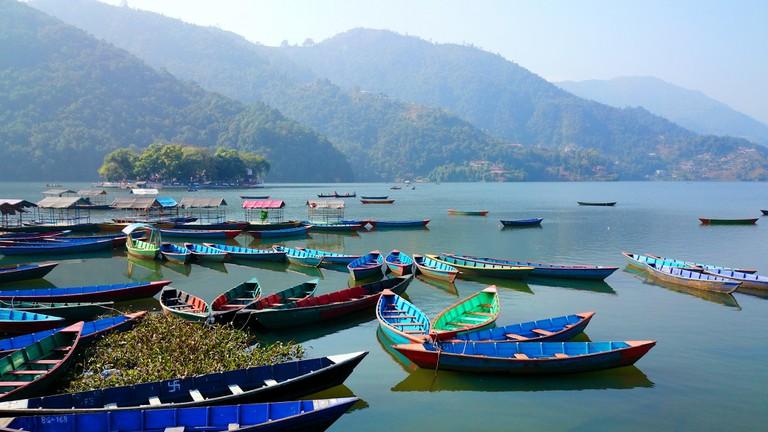 Boats at Lake Phewa in Pokhara | ©Mario Micklisch/Flickr