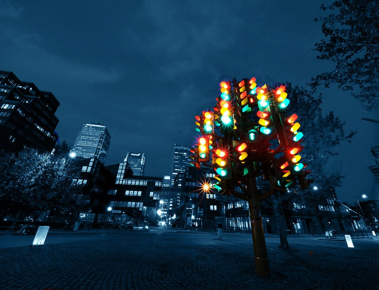 Traffic Light Tree | © William Warby/WikiCommons