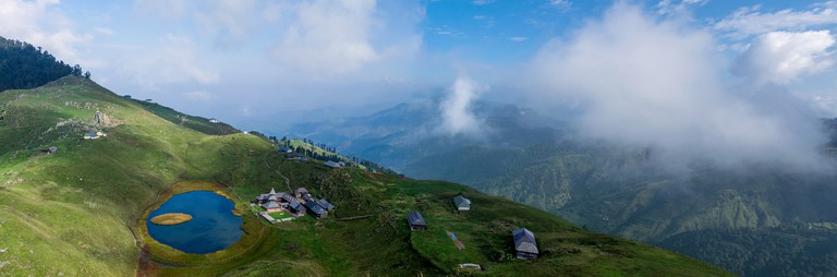 Prashar Lake panorama