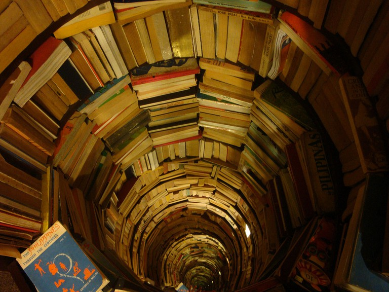 Endless Books | © Bonni Rambatan/Flickr