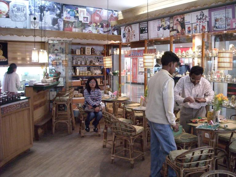 Nathmulls, shop and tea room ©Flickr/Shankar.S