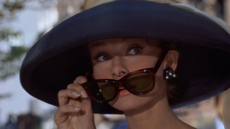 Cropped screenshot of Audrey Hepburn from Breakfast at Tiffany's (1961)