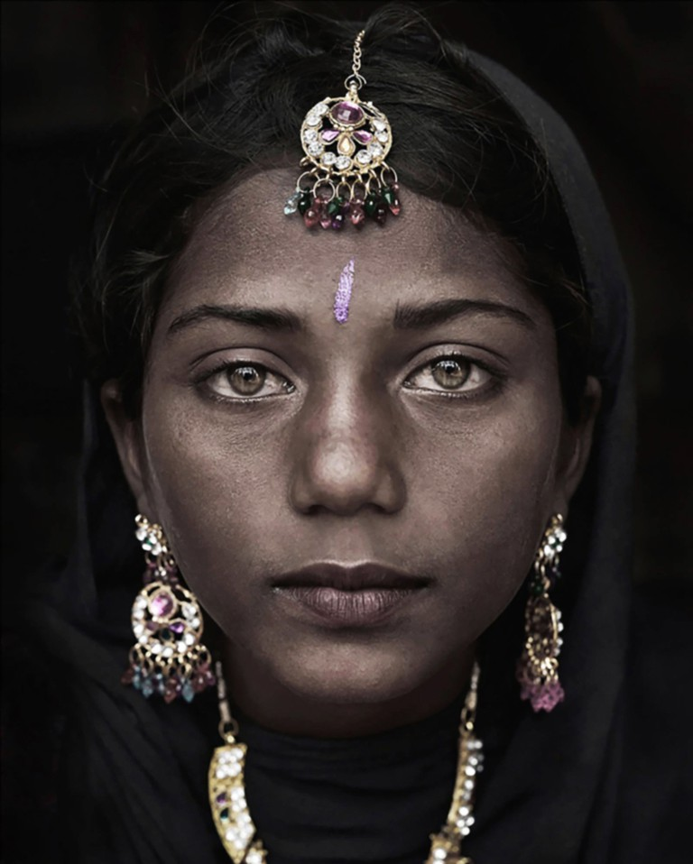 Suman, Portrait of a Gypsie Girl, India, 2014 | © Mario Marino